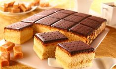 Gâteau aux petits Lu nappage chocolat / Cake with petit Lu biscuits and chocolate topping Chocolat Cake, Chocolate Topping, Tiramisu, Biscuits, Cheesecake, Dishes, Cooking, Ethnic Recipes, Desserts
