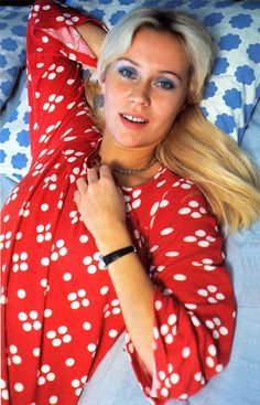 Color / Outfits / Red payamas with white dots | The DiehardAgnetha Gallery
