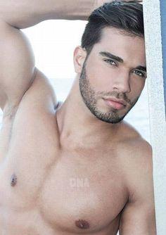 Darian Alvarez: Miami Muscle. Belleza Latina. Dna Magazine #161