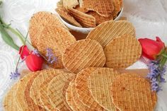 Aperitiv saratele Snack Recipes, Cooking Recipes, Bakery, Deserts, Goodies, Chips, Food And Drink, Appetizers, Sweets