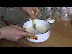 ▶ Icons: the application of the gesso - 3 preparation and application of the gesso - YouTube