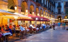 Food and wine sites of Italy with restaurant and hotel recommendations.