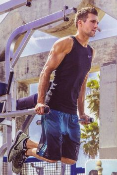 JAMES MASLOW ! 2015 ! LOOK THIS ARM´S ! WOW !