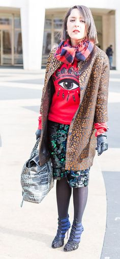 pattern mixing | 11 best streetstyle looks for women over 40 during New York Fashion Week featuring prints | 40PlusStyle.com