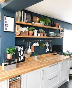 I love the wall color, counter tops and cabinets. Only thing I don't like is. - - I love the wall color, counter tops and cabinets. Only thing I don't like is… I love the wall color, counter tops and cabinets. Only thing I don't like is the wall sign Küchen Design, House Design, Interior Design, Modern Interior, Sweet Home, Kitchen Shelves, Kitchen Cabinets, Kitchen Canisters, Open Shelves