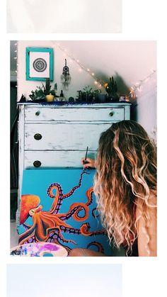 I love that dresser behind the painting Body Painting, Painting & Drawing, Watercolor Paintings, Chalk Painting, Kunst Inspo, Art Inspo, Wow Art, Art Hoe, Posca