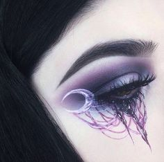 Looking for for ideas for your Halloween make-up? Check this out for cute Halloween makeup looks. Dark Fairy Makeup, Gothic Makeup, Fantasy Makeup, Fantasy Hair, Witchy Makeup, Skeleton Makeup, Makeup Inspo, Makeup Art, Makeup Inspiration
