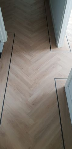 Pvc Flooring, Parquet Flooring, Bedroom Flooring, Wooden Flooring, Hardwood Floors, Apartment Interior Design, Living Room Interior, Home Living Room, Floor Design