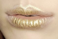Imagem de lips, gold, and makeup
