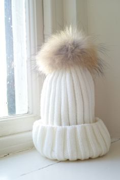 mix wool cable knit cream with raccoon fur bobble beanie hat