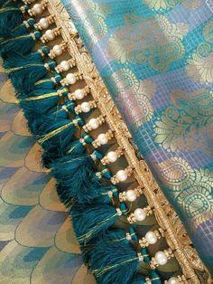 Simple pattu and silk saree kuchu design - Indian Fashion Ideas Saree Tassels Designs, Saree Kuchu Designs, Kurti Neck Designs, Bridal Blouse Designs, Lace Patterns, Blouse Patterns, Hand Work Blouse Design, Saree Border, Trendy Sarees