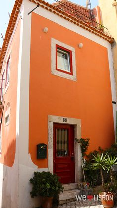 Alfama neighbourhood in Lisbon, Portugal