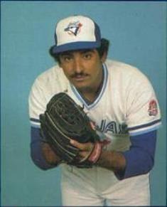 27- Luis Leal (nacio el 21 de Marzo de 1957) jugo en las grandes ligas desde 1980 hasta 1985 para los Azulejos de Toronto.