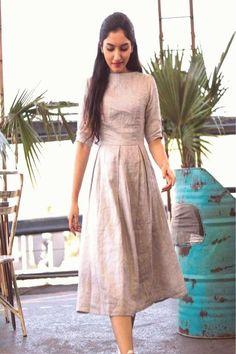 Frock Fashion, Indian Fashion Dresses, Dress Indian Style, Indian Designer Outfits, Indian Wear, Long Dress Design, Stylish Dress Designs, Designs For Dresses, Ikkat Dresses