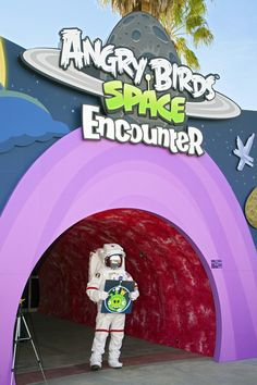 #KennedySpaceCenter draws in kids with #AngryBirds exhibit. Very cool promotional idea!