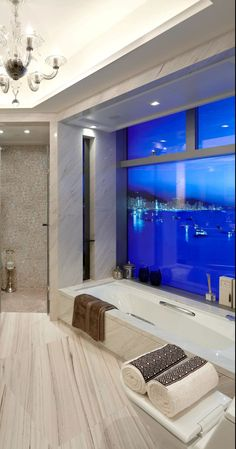 Penthouse bath- CLASSIC TAVERTINE / LIMESTONE ELEGANT AND LONG