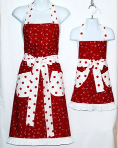Mommy and Me Apron Matching Aprons Christmas by AGiftToTreasure