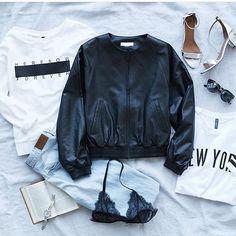 All set for Tuesday✔️ ➖➖➖➖➖➖➖➖➖➖➖➖➖ #hm #fashion #flatlay #fashionista #fashionblogger #flatlay_sweden #womenswear #womensfashion #womensstyle #mode #modeblogger #eyewear #watch #wristgame #wristwatch #flatlay #flatlayapp #flatlays