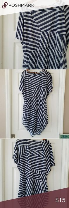 H&M cover-up Tissue thin cotton cover up or summer dress in an op art print in navy and white. EUC. H&M Swim Coverups