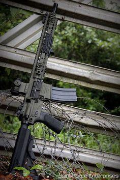 Weapons Guns, Guns And Ammo, Armas Airsoft, Ar Rifle, Ar 15 Builds, Ar Build, Shooting Guns, Custom Guns, Military Guns