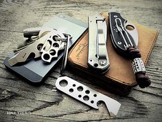 (Source: Hartigan69, via Flickr) #Pocket Dump#EDC#Everyday Carry 8 notes