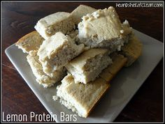 "Clean Eat Recipe :: Lemon Protein BarsIngredients: 1 cup oat flour 2 scoops vanilla whey protein 1/4 tsp salt 1/2 tsp baking soda 5-6 oz lemon juice (I usually squeeze fresh lemons.  You could use more or less depending on how ""lemon-y"" you want them.) 4 egg whites 1/3 cup Stevia in the Raw 8 oz applesauce baby food"