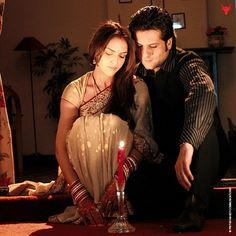 A shot of Esha Deol and Fardeen Khan from their honeymoon sequence in Just Married.