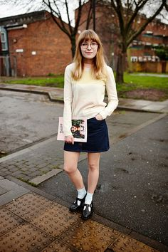 FASHION YOUR SEATBELTS : THREE WAYS TO WEAR | THE SEVENTIES SKIRT
