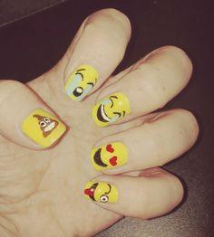 decoración uñas emoji 😍