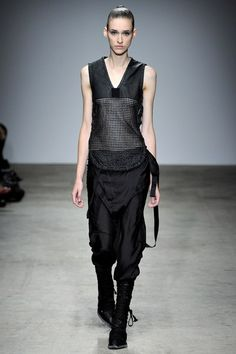 See the complete Nicolas Andreas Taralis Spring 2011 Ready-to-Wear collection.