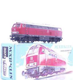 MARKLIN 3075 - 3 RAIL AC - GERMAN DB CLASS V160 BR 216 DIESEL LOCO No.216 025-7