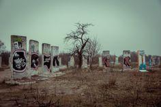 """Il """"cimitero""""a sud di Berlino dove riposa quel che resta del Muro"""