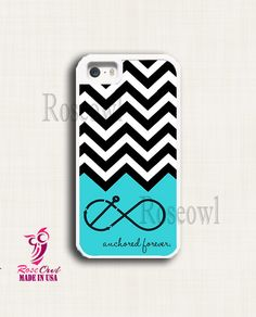 A cute chevron iPhone 5s case with a blue bottom with infinity