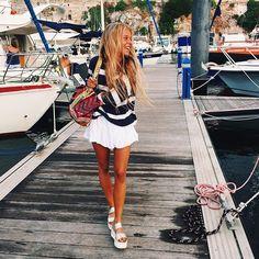 Wavinggg the sland #ohvamos #cuantainspirtransmitis #minorcstories Summer Looks, Style Summer, Summer Fun, Summer Wardrobe, Bright, Everyday Fashion, Chic, Fashion Outfits, Womens Fashion