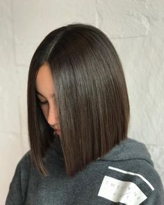 Center Parted Bob hairstyle hair straight 24 Flattering Middle Part Hairstyles in 2020 Long Bob Haircuts, Long Bob Hairstyles, Hairstyles Videos, Hairstyle Short, School Hairstyles, Straight Bob Haircut, Natural Hairstyles, Office Hairstyles, Anime Hairstyles