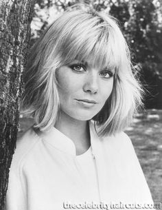 A collection of the more mature hairstyles of Glynis Barber. Glynis was born - Glynis van der Riet, in Durban, South Africa. Jane Asher, Glynis Barber, The Most Beautiful Girl, Beautiful People, Wife And Girlfriend, Paul Mccartney, Pixies, The Beatles, Persona
