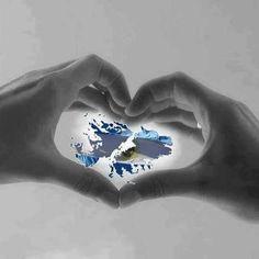 Las islas Malvinas son un archipiélago situado en la plataforma continental de América del Sur, dentro del sector de mar epicontinental del océano Atlántico Sur que Argentina denomina mar Argentino