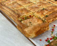 Κοτόπιτα με Πράσο και Πιπεριές - Lambros Vakiaros Spanakopita, Apple Pie, Sandwiches, Ethnic Recipes, Desserts, Food, Tailgate Desserts, Deserts, Essen