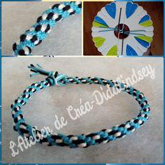 Voici un joli bracelet au couleur bleu noir blanc , pour obtenir ce dessin placé vos fils comme sur la photo du disque. Découvrez d'autres modèles dans mon livre sur le kumihimo!
