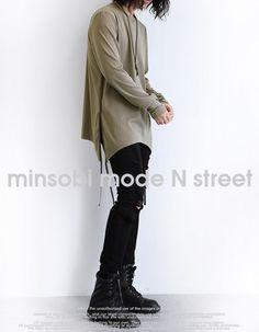 minsobi-urban-classic Asymmetrically cut long-sleeved Sweat #minsobi #ミンソビ #japan #japanfashion #shirt #tops #sweatshirt #menstyle #mens #menswear #sarouel #easypants #style #vogue #streetwear #streetstyle #urbanstyle #urbanfashion #fashion