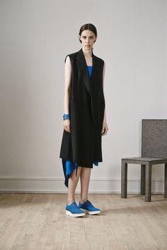 Details - Sleeveless Coat-dress