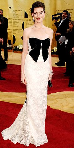 Anne Hathaway in Valentino, Iconic because it was the beginning of her loyal relationship to the designer