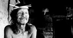 """Em cartaz no Forte de Copacabana, a exposição """"Krahô - Heranças Culturais Brasileiras"""", da fotógrafa Gisa Müller, apresenta registros em preto e branco que..."""