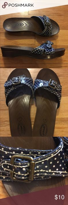 Doctor scholl's sandals😍❤ Blue and white Polka Dot in good preowned condition size 7😄🌷 dr scholls Shoes Sandals
