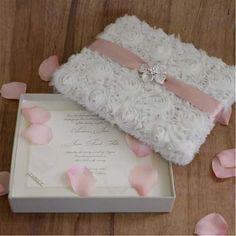 A dream invitation Quince Invitations, Unique Invitations, Shower Invitations, Invitation Cards, Wedding Invitations, Invitation Birthday, Invitation Ideas, Wedding Gift Boxes, Wedding Cards