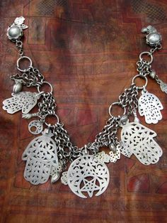Africa | Tunisian silver fibula; the fibula pieces at both ends are missing |  ©Patricia Deany