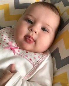 Cute Baby Twins, Cute Baby Boy Images, Cute Kids Pics, Cute Baby Pictures, Cute Little Baby, Funny Baby Memes, Cute Funny Baby Videos, Cute Funny Babies, Funny Videos For Kids