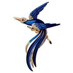 Inspired by an original Trifari design from The Met Costume Institute collection, our blue and crystal Tropical Bird Pin celebrates vintage jewelry of the 1950s and 60s.