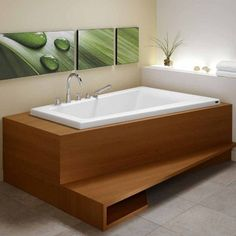 The Bora tub delivers a modern aesthetic with a very comfortable curved backrest that maximizes space in the bathroom through corner installation.