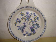 "FIGGJO FLINT ""Lotte"" 1970s - TURID GRAMSTAD OLIVER. #figgjoflint #lotte #turidgramstadoliver #retroporcelain #pan #dinnerware. From www.TRENDYENSER.com. SOLGT/SOLD"